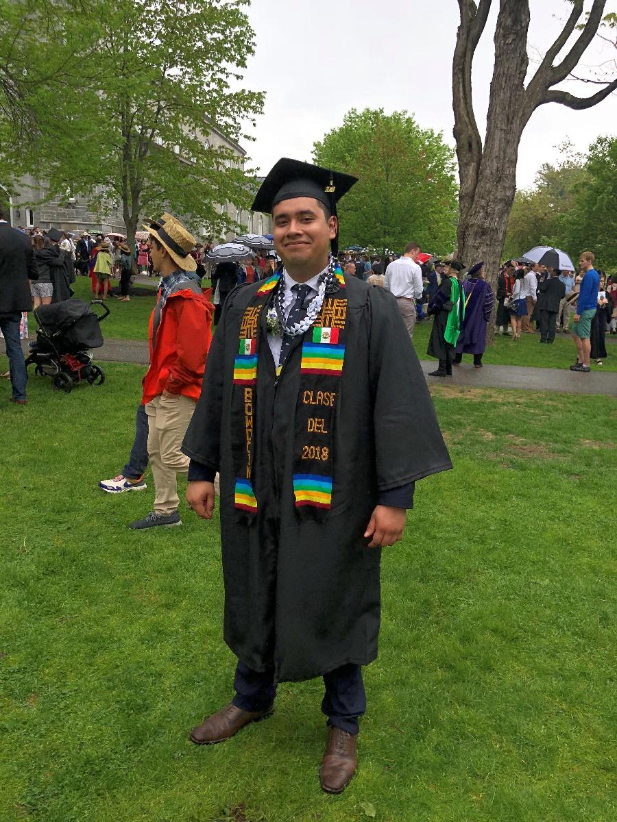 Steven Colin Graduation 1 (002)
